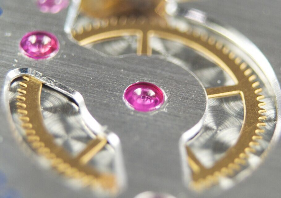 P.5000 Movement Close-up