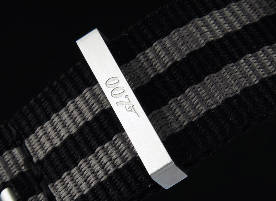 007 Logon on Strap