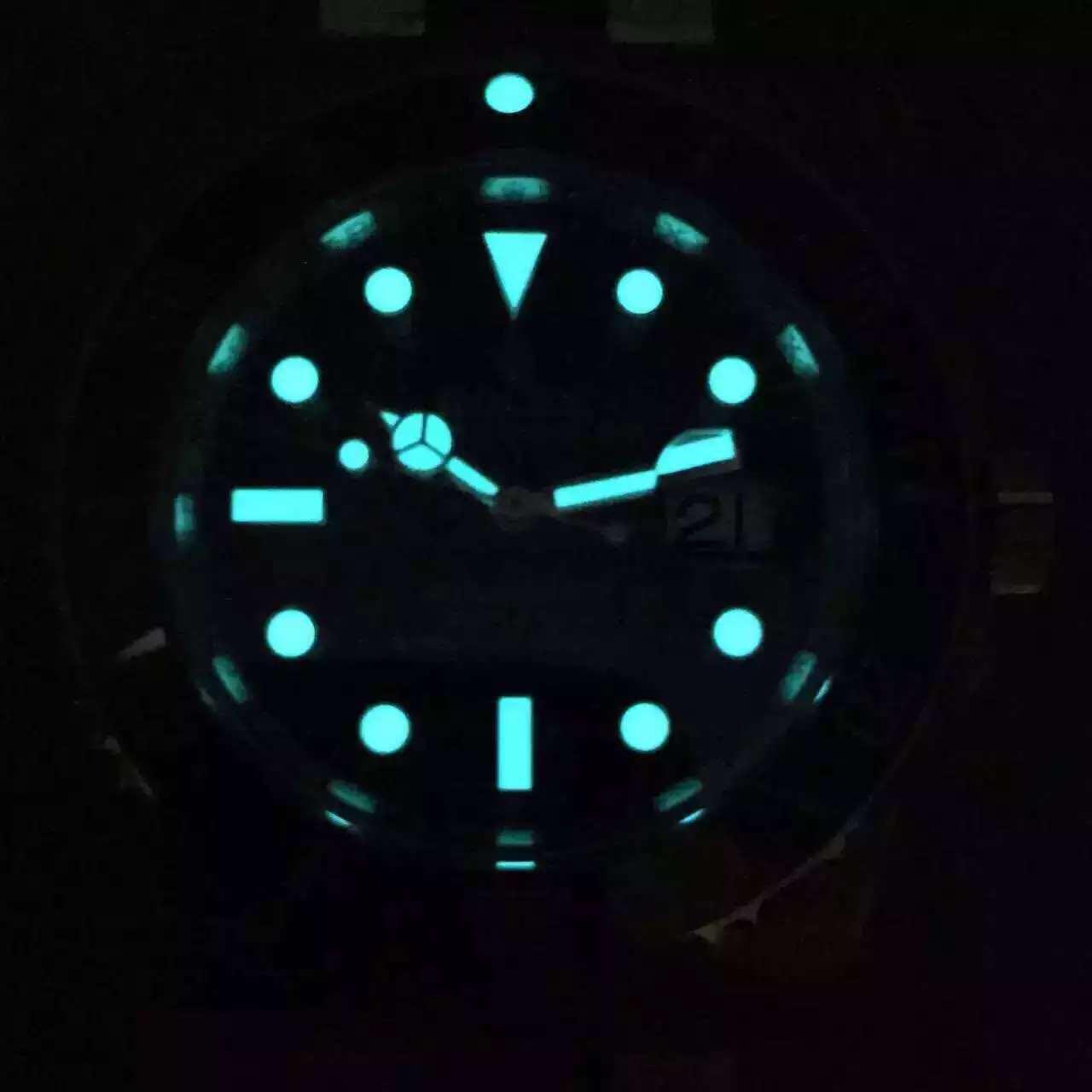 Blue Lume on 116610 LN Submariner