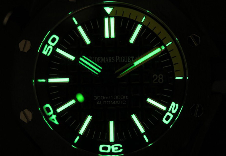 AP Diver Green Lume
