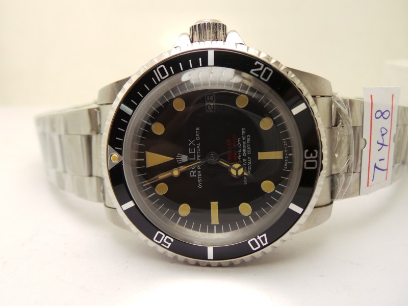 Black Dial with Oval-shaped Hour Markers