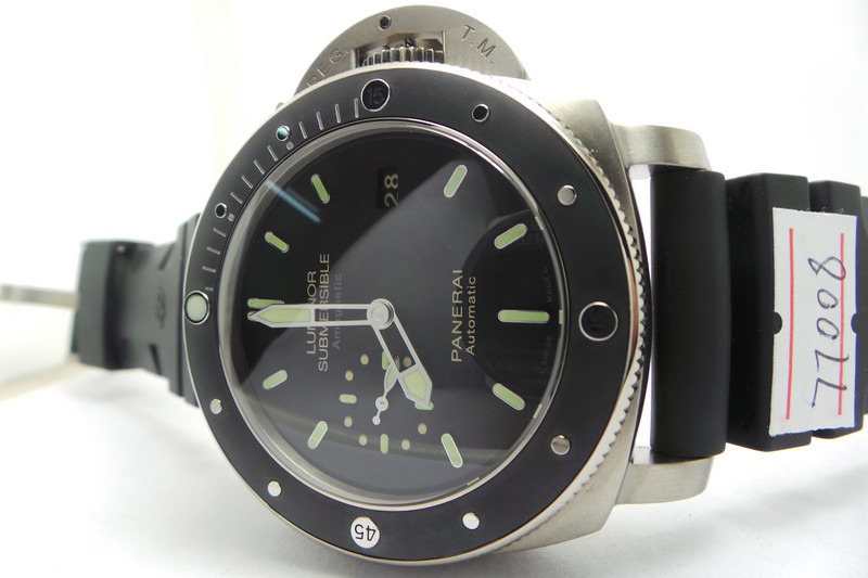 PAM 389 Black Bezel