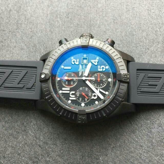 Breitling Avenger Diver Bezel
