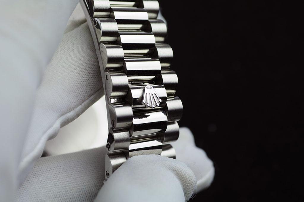 Day-Date Bracelet Crown Logo