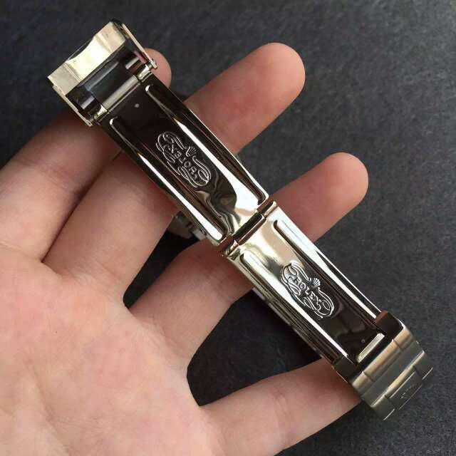 Rolex Submariner 16610LV Clasp