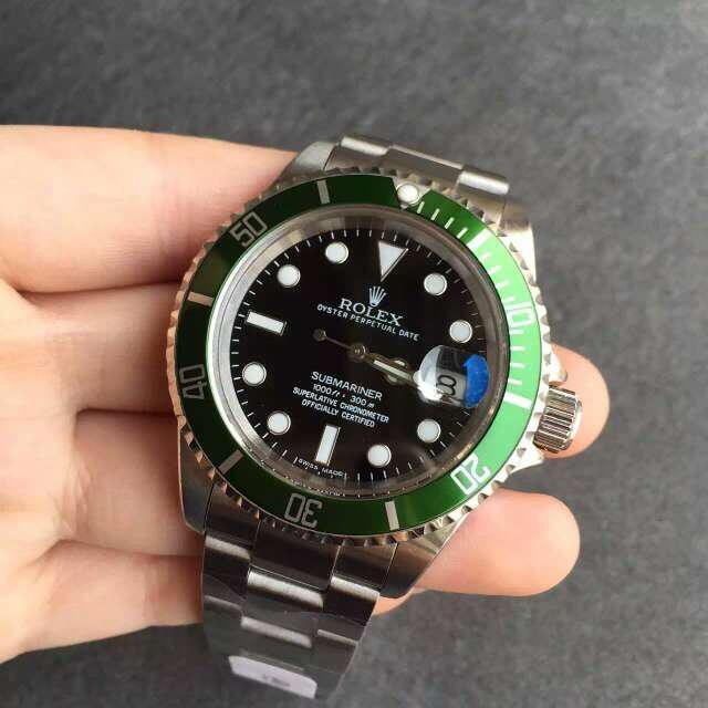 Rolex Submariner 16610LV Green Ceramic Bezel