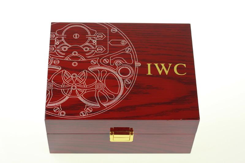IWC Box Front