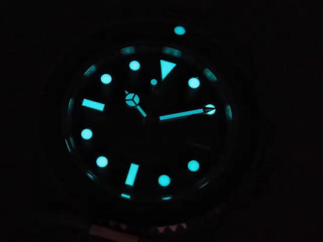 Rolex Submariner 116613 Blue Dial Lume