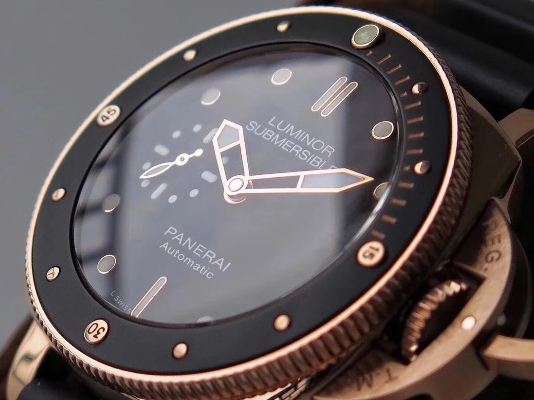 PAM 684 Rose Gold Bezel