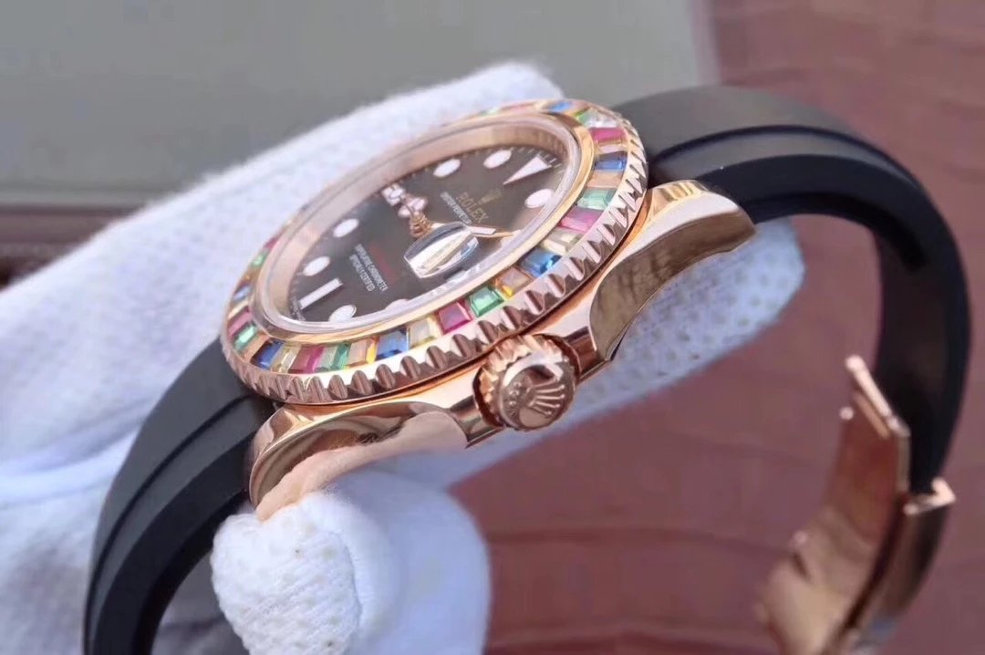 Replica Rolex YachtMaster 116695SATS Crown