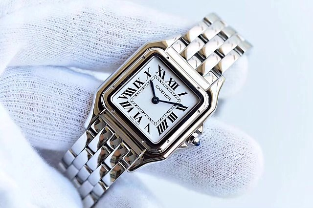 Replica Cartier Panthere Quartz