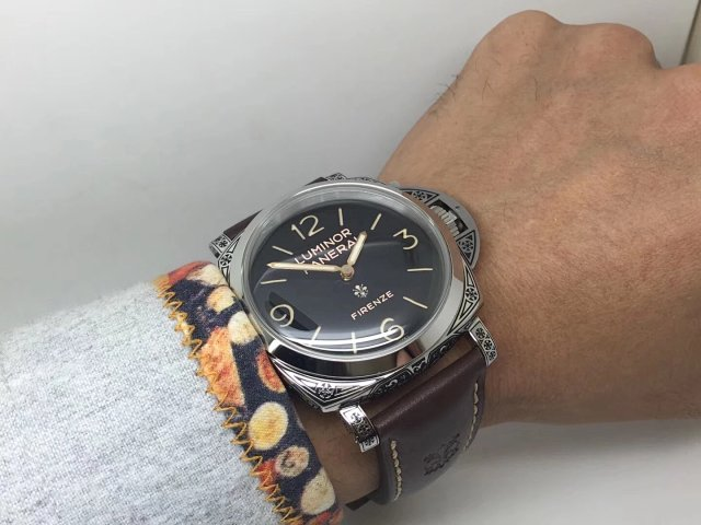 Panerai Luminor Firenze Wrist Shot Photo