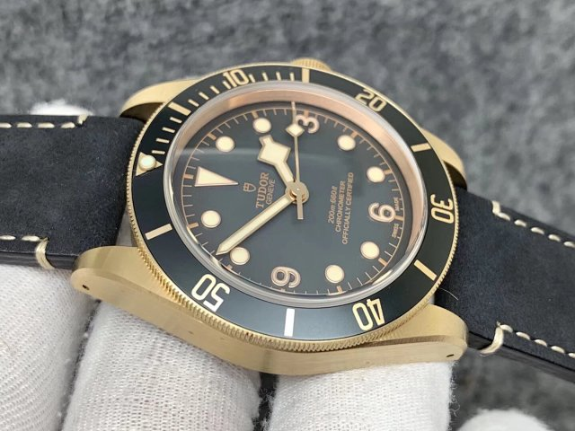 Replica Tudor Black Bay Bronzo Grey Dial