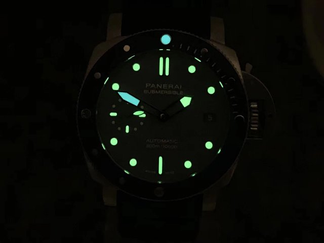 PAM 959 Dial Lume