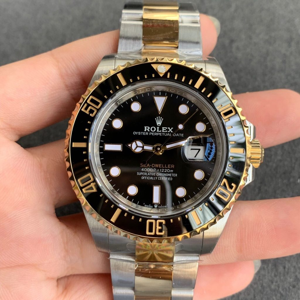 AR Two Tone Submariner