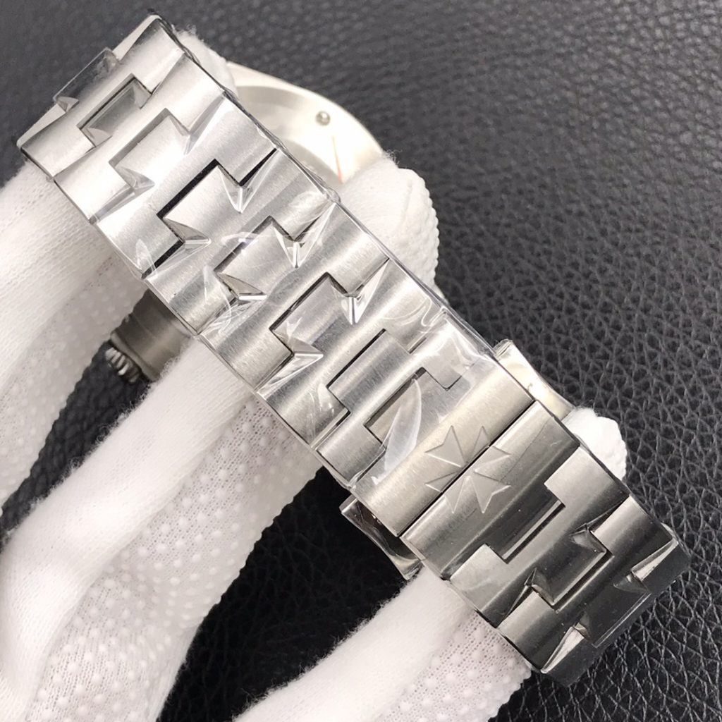 Vacheron Constantin Overseas SS Bracelet