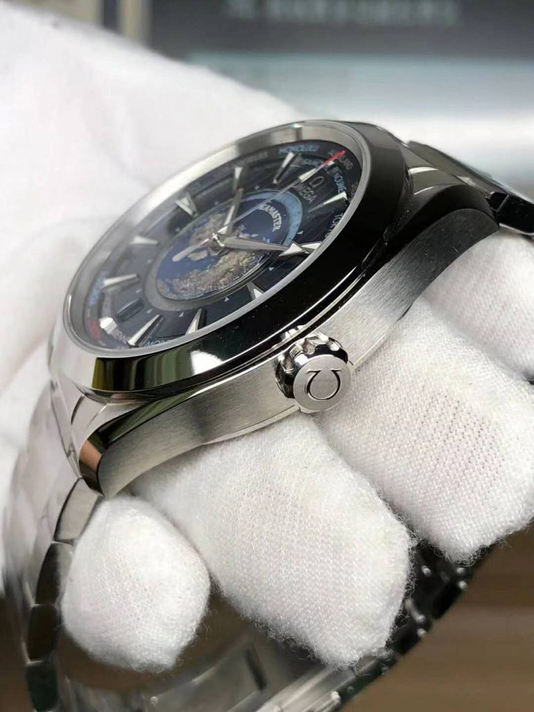 Omega Worldtimer Crown