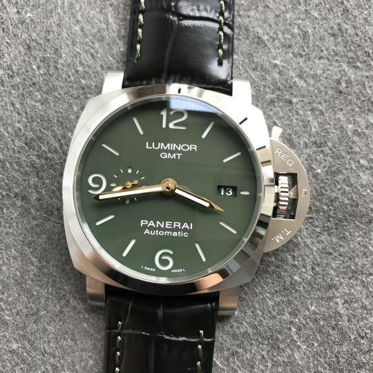 PAM 1056 Green Dial