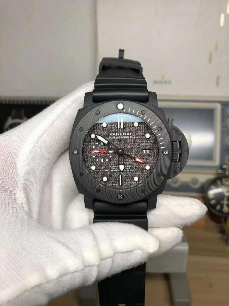 Replica Panerai Submersible Luna Rossa GMT