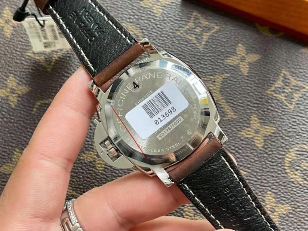PAM 1046 Case Back