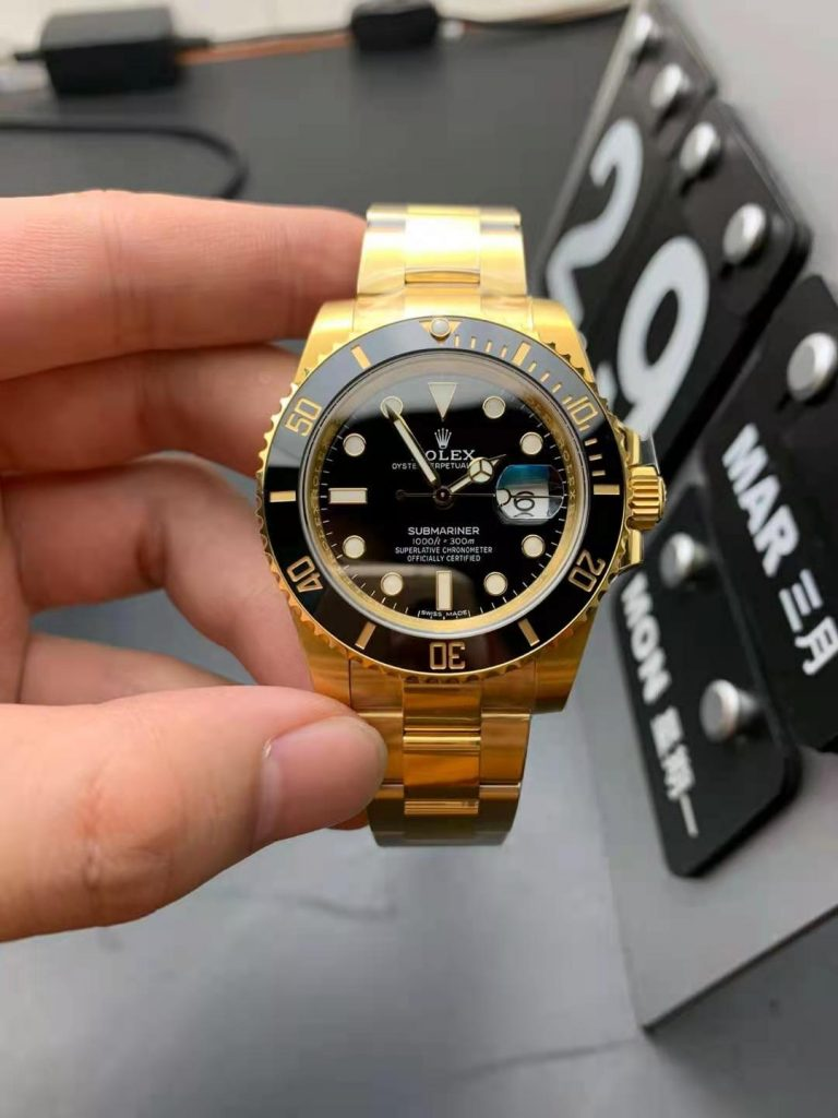 Replica Rolex Submariner Gold Black