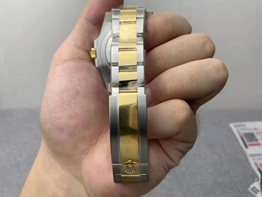Clean 116613LB Bracelet